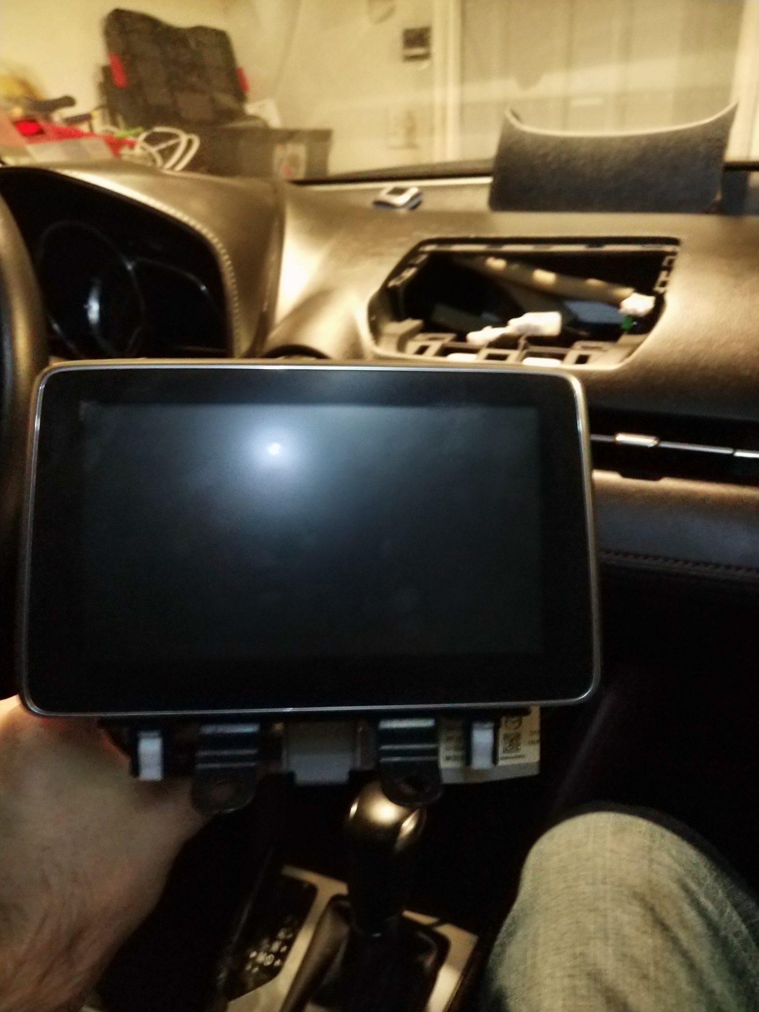 Installing Android Auto / Apple Carplay retrofit in Mazda